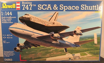 NASA 1:144 scale Space Shuttle Discovery with 747 Carrier Jet