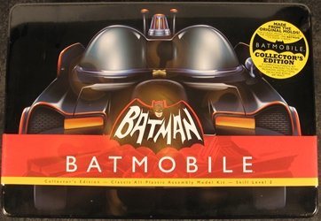 Batman 1:32 scale Classic 1966 Batmobile Plastic Model Kit w/ Collectors Tin