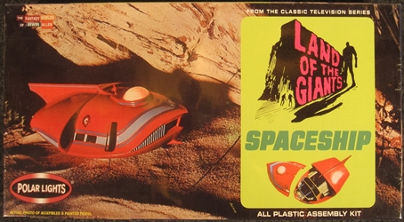 Land of the Giants 1:64 Scale Spindrift Spaceship Plastic Model Kit