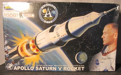 Buzz Aldrin Edition 1:144 scale Apollo Saturn V Rocket Plastic Model Kit